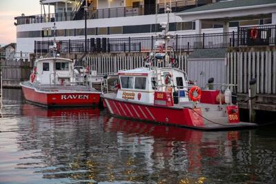 Newburyport transfers fireboat to Hyannis FD