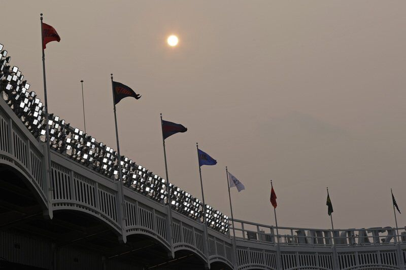 Western wildfires bring haze to East Coast