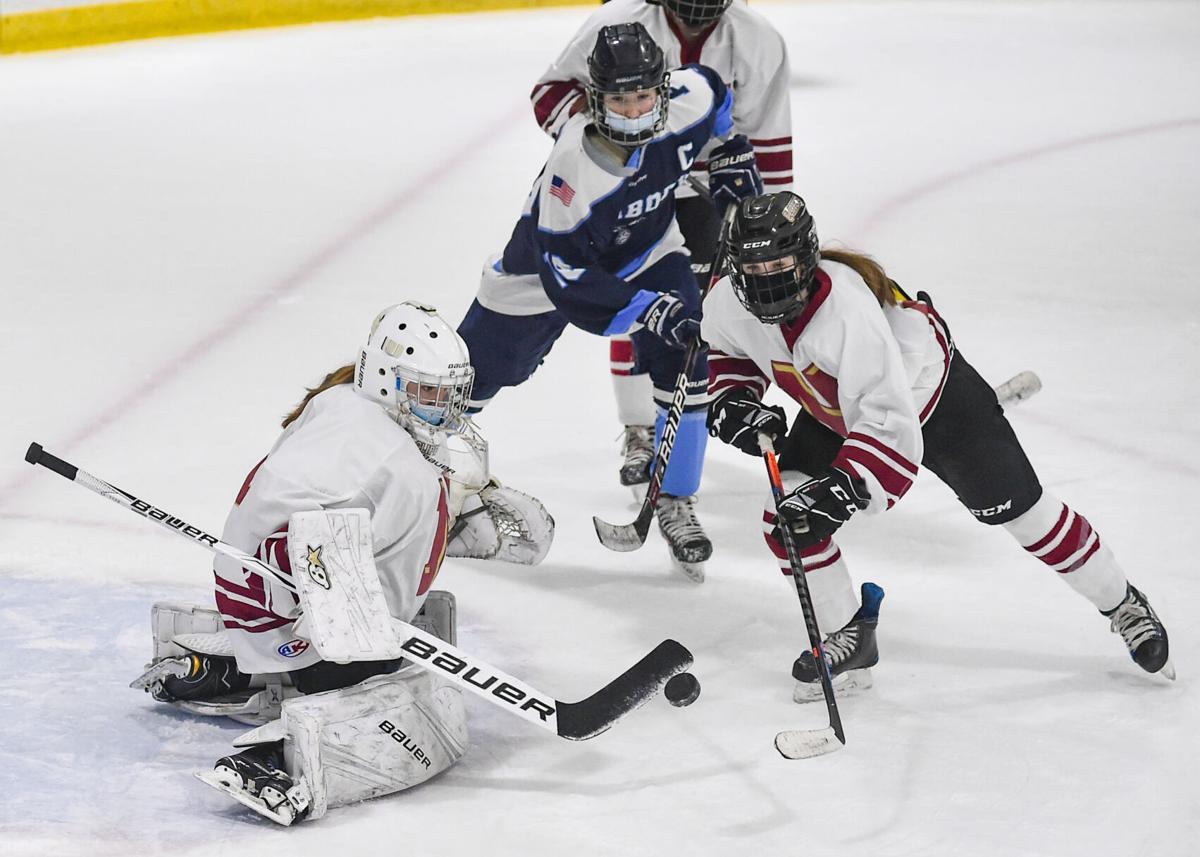 Peabody girls varsity hockey vs. Newburyport