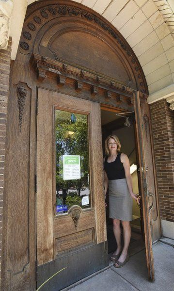 Amesbury library to rehab iconic front doors