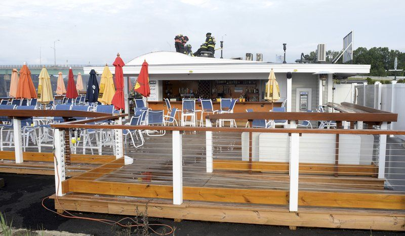 Fire Damages Por Salisbury Waterfront Restaurant