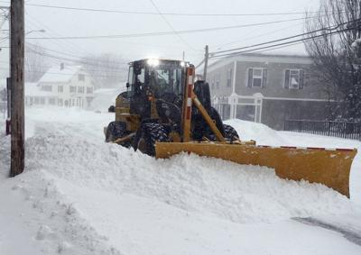 Smooth operators: Valley has Blizzard of 2015 under control