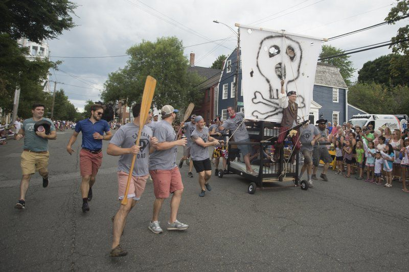 No sleepers in annual Yankee Homecoming bed race