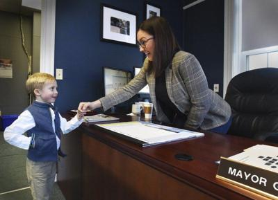 New mayor meets with inquisitive youngster