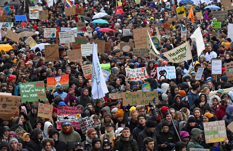Global climate protests ahead of Madrid meeting