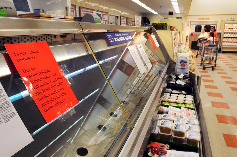 At Port Market Basket, bare shelves greet customers | Local