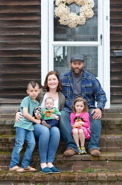 Onlineevent to highlightAmesbury 'Front Steps' photo project