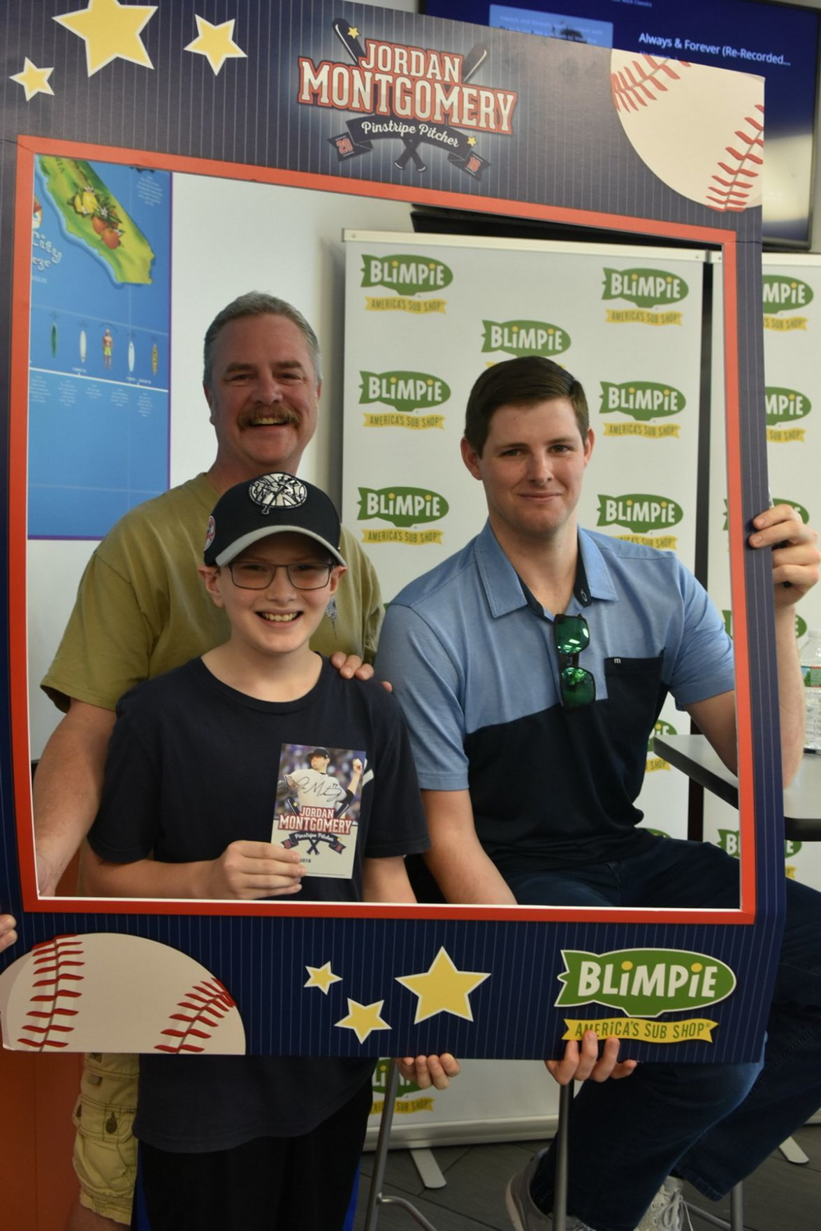 New York Yankee comes to Long Hill
