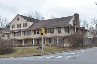 Demolition nears for King George Inn in Warren
