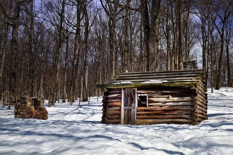 Soldier log cabin at Jockey Hollow