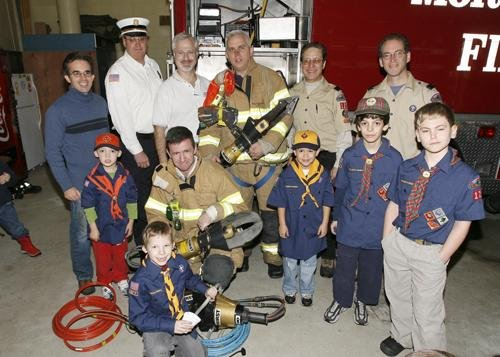 CUB SCOUTS TO THE RESCUE