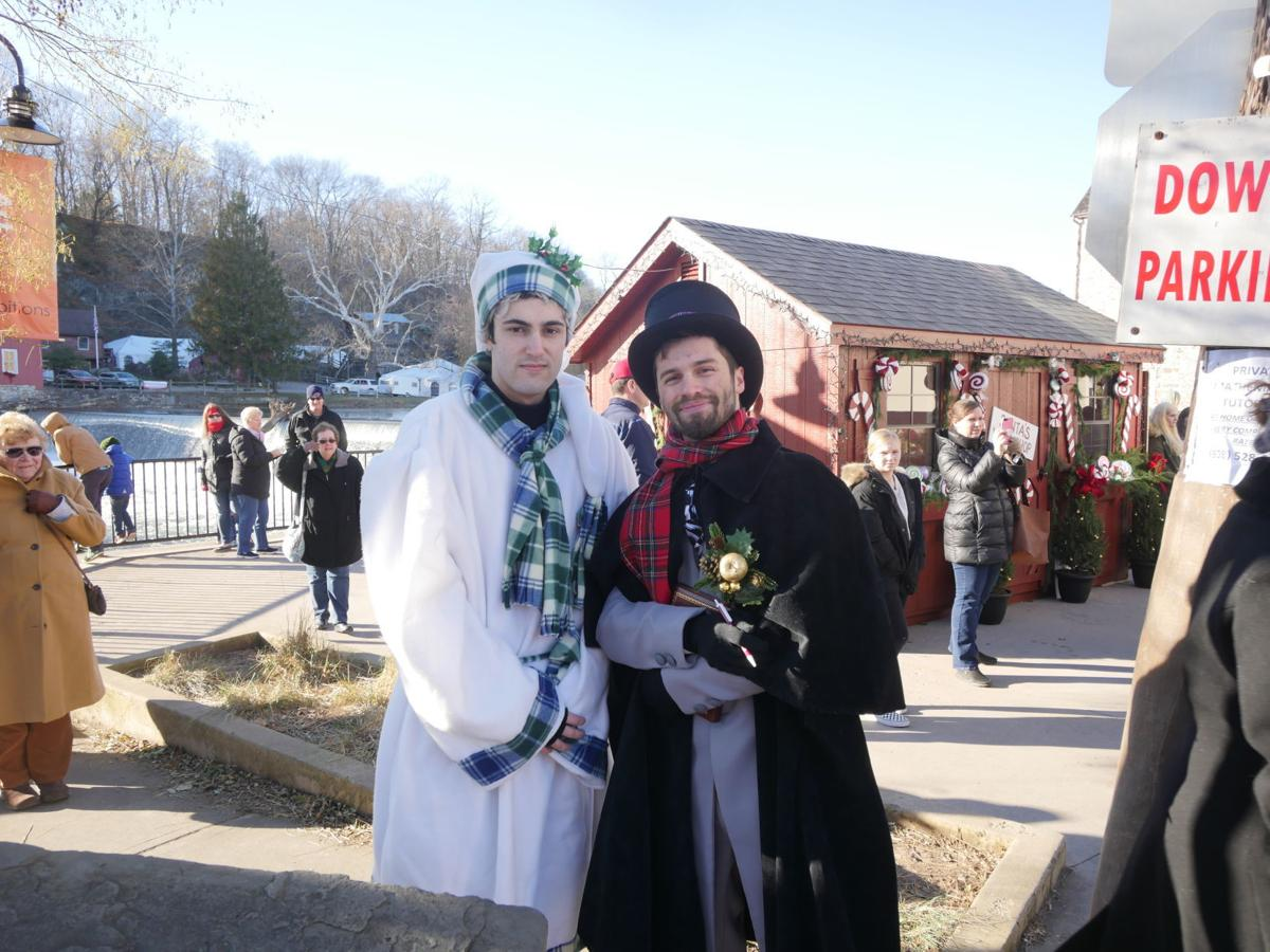 Clinton kicks off holiday season with Dickens Days weekend