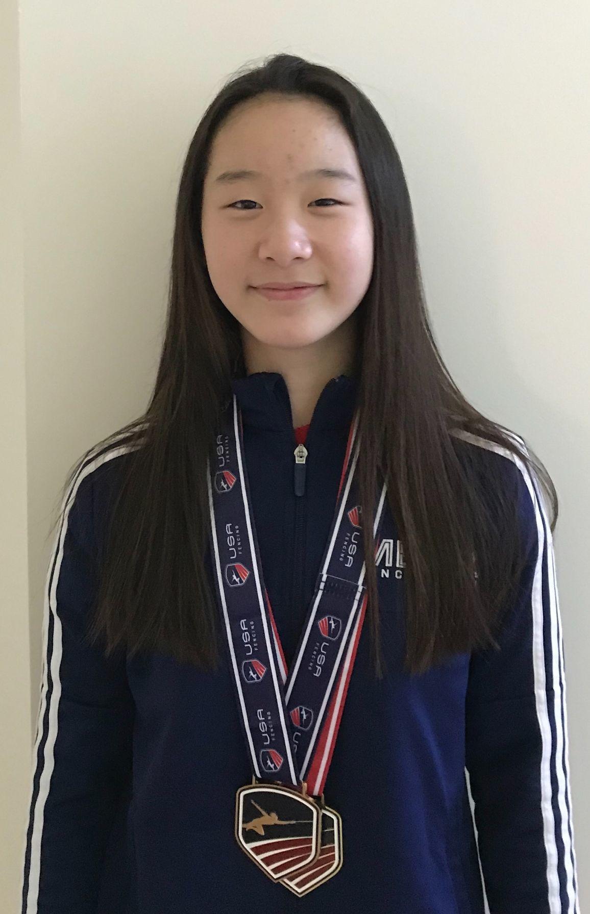 Zoe Kim fencing
