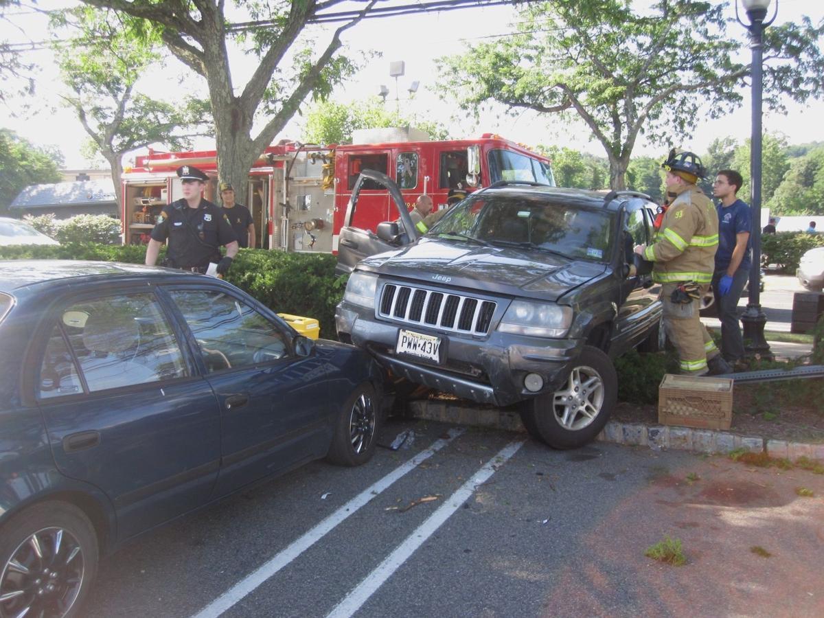Bizarre car crash in Bernardsville   Bernardsville News News
