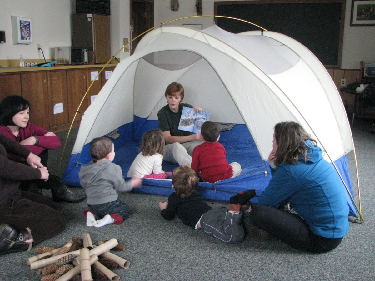 Stories and crafts at the EEC