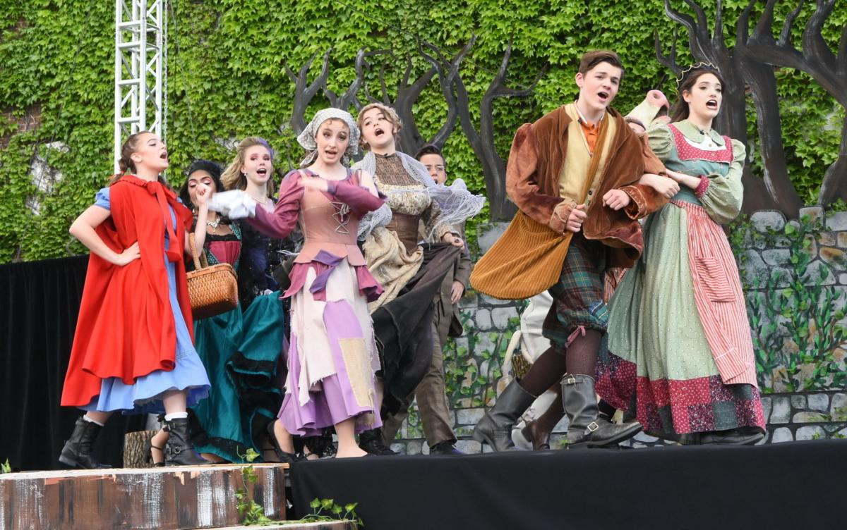 'Into the Woods' wows outdoor audiences at Watchung Hills