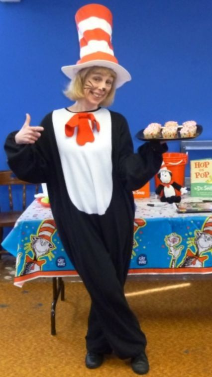 Jessica Wexler portraying Cat in the Hat