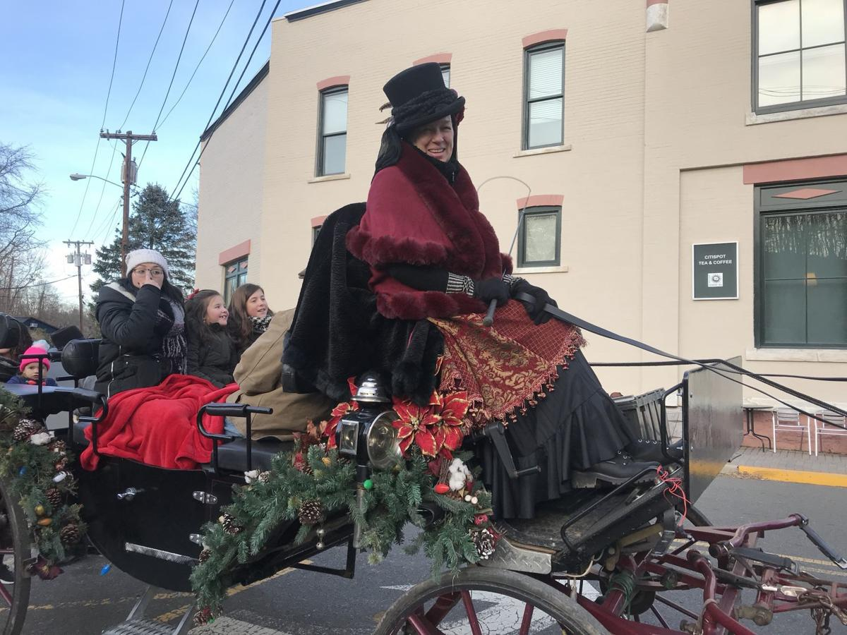Dickens Days takes over downtown Clinton Thanksgiving weekend