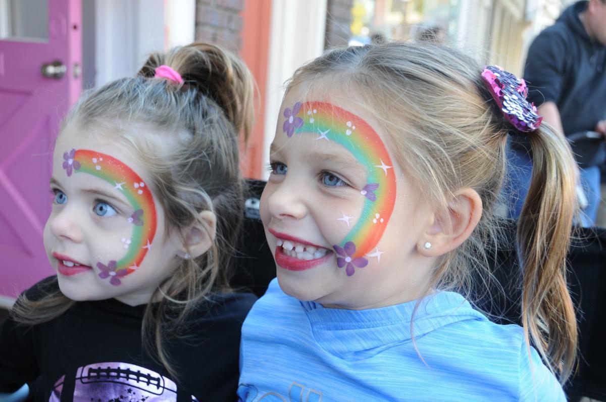 BOTTLE HILL 'RAINBOW GIRLS'