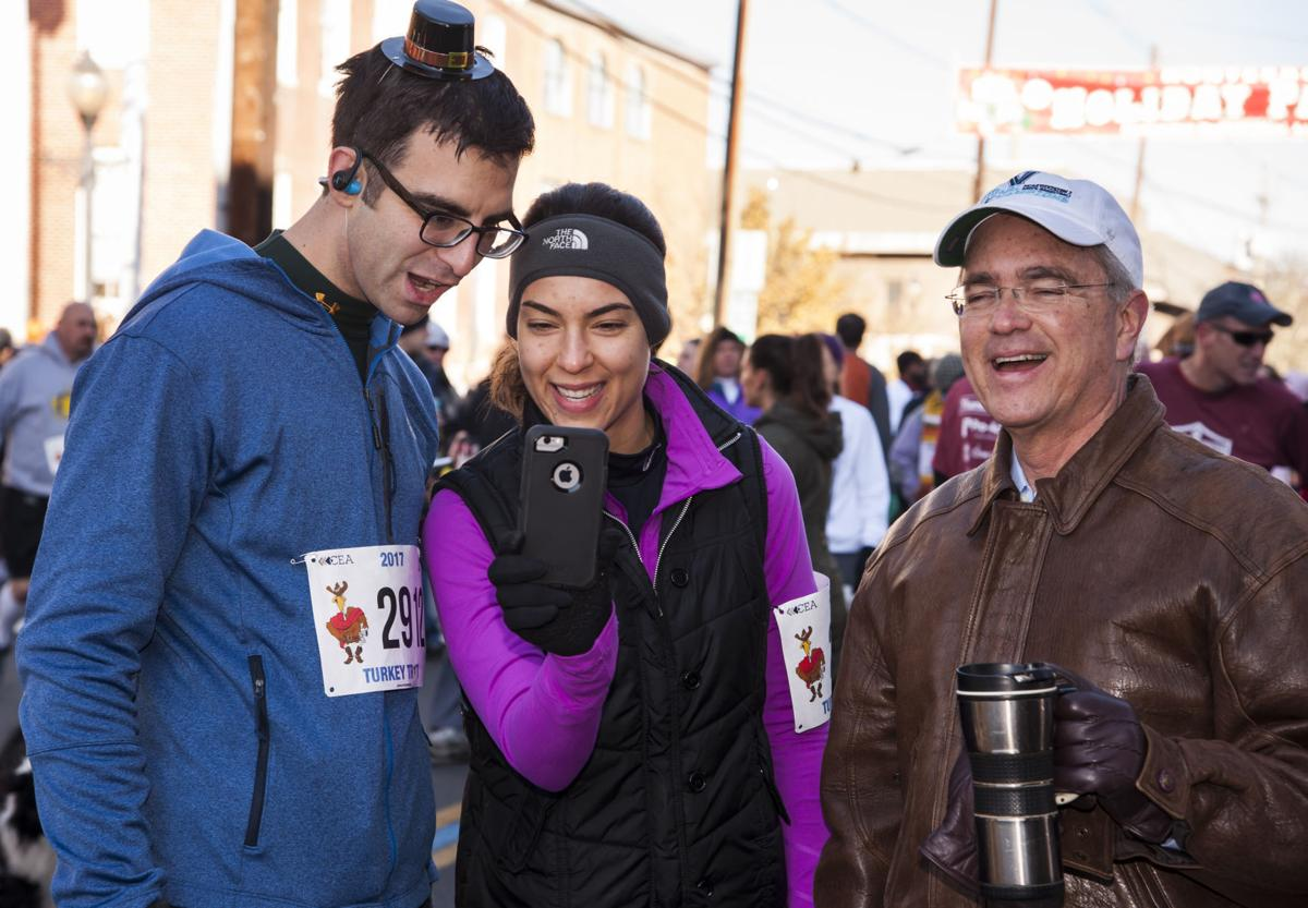 Flemington's 25th Turkey Trot fills Main Street with nearly 6,000 runners on Thanksgiving morning