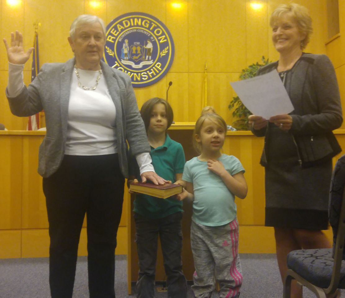 Smith sworn in as Readington mayor at 2017 reorganization