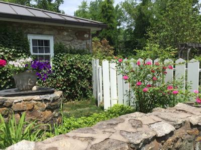 Tewksbury Historical Society, Garden Club of Hunterdon Hills host house and garden tour