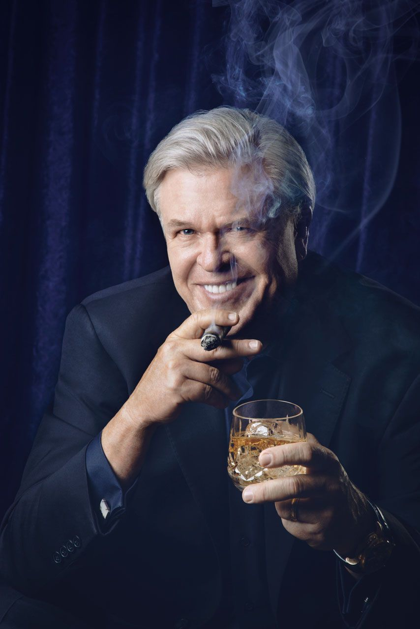 Ron White brings laughs to Mayo