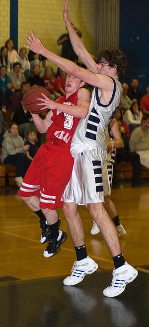 Boys Hoops—Montville, ML pick up Ws in playoff preps