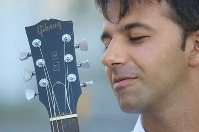 Guitarist Dario Chiazzolino to play Whittemore Gardens tonight