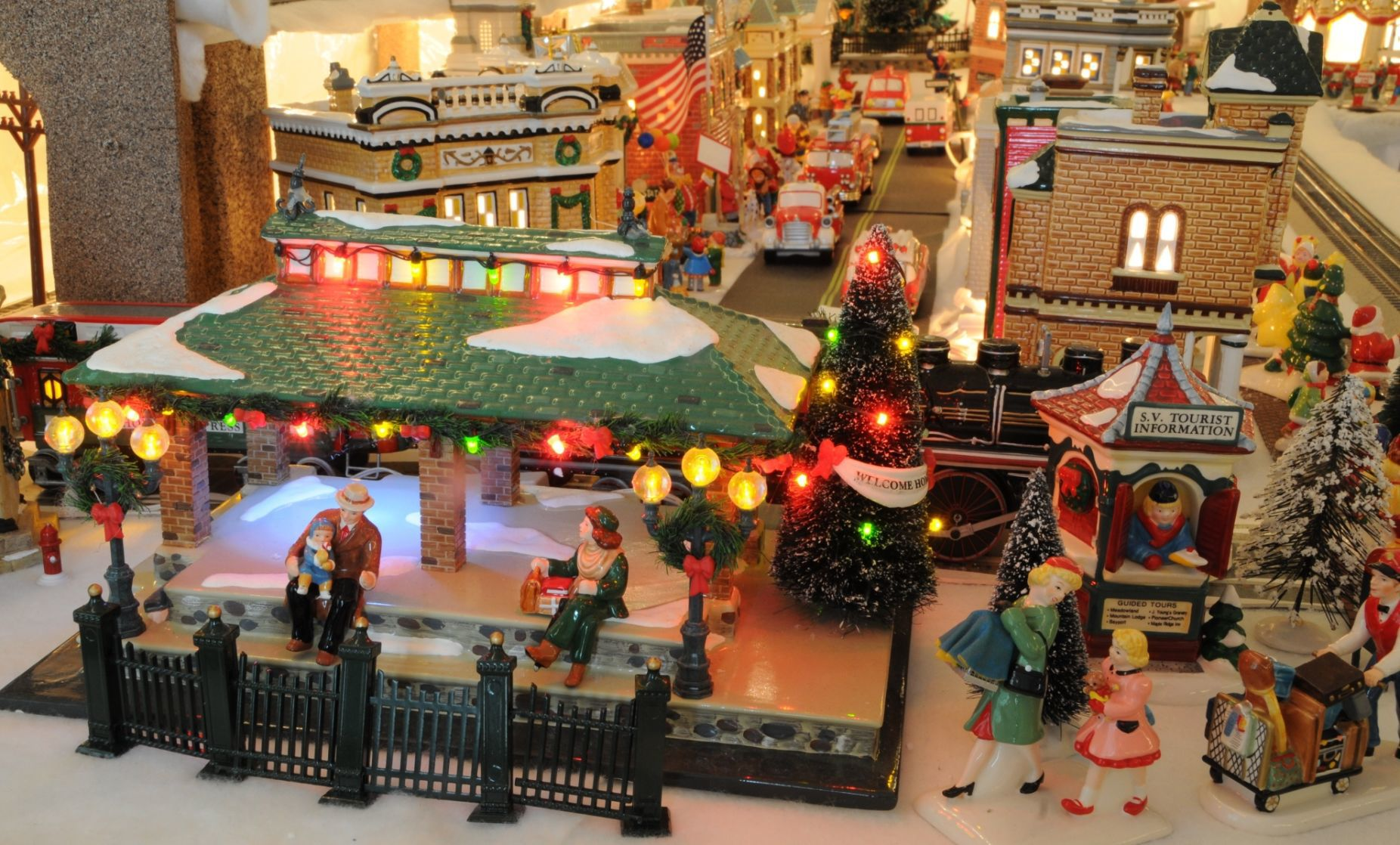 Chatham Emergency Squad Displaying Winter Wonderland Snow Village Chatham Courier News Newjerseyhills Com