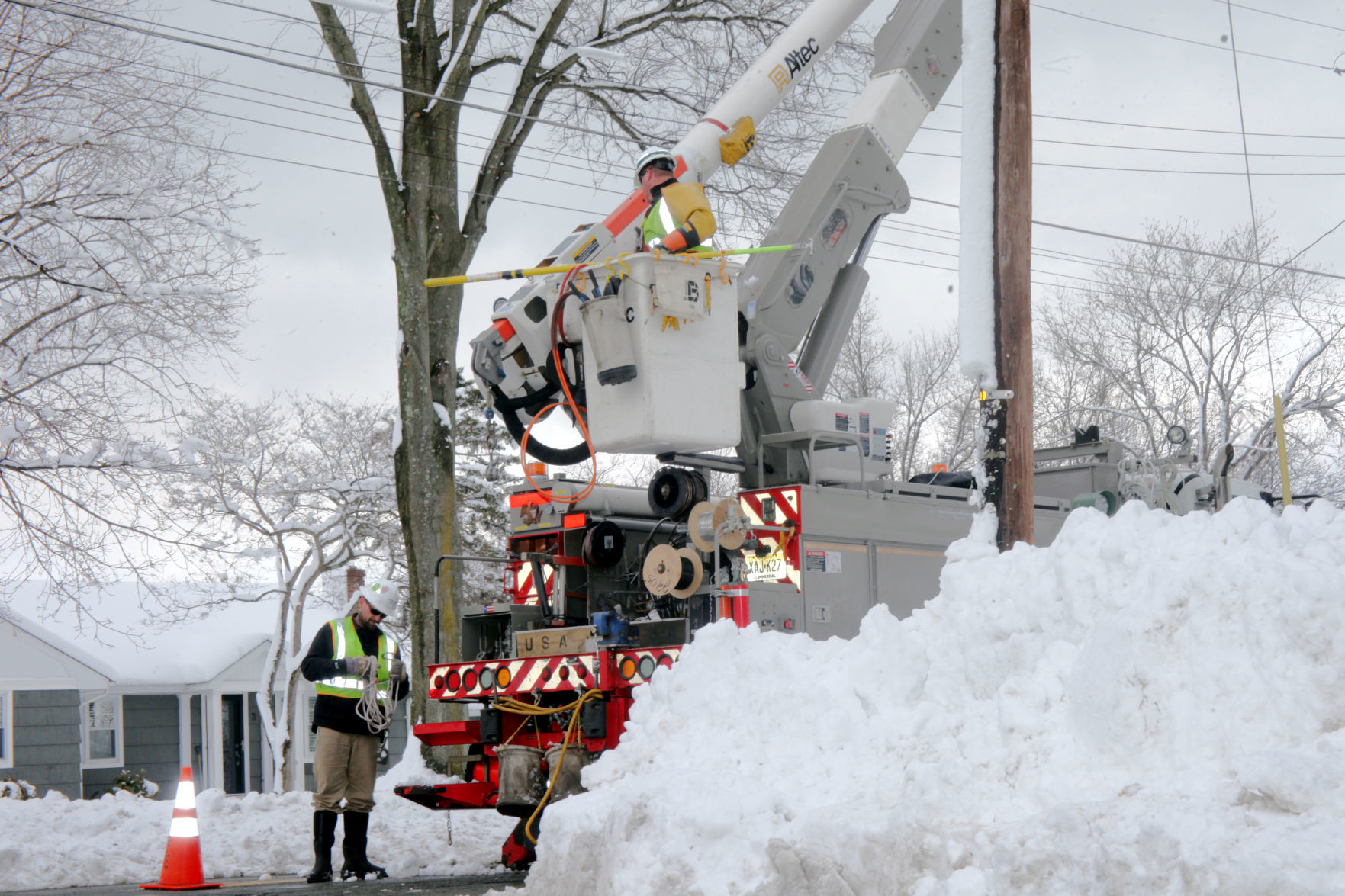 Us Area Code Map 206%0A A crew from JCP u    L repair power lines off of Eyland Avenue in Roxbury on  Thursday  Feb     JCP u    L u    s response time again seems to be the main bone of