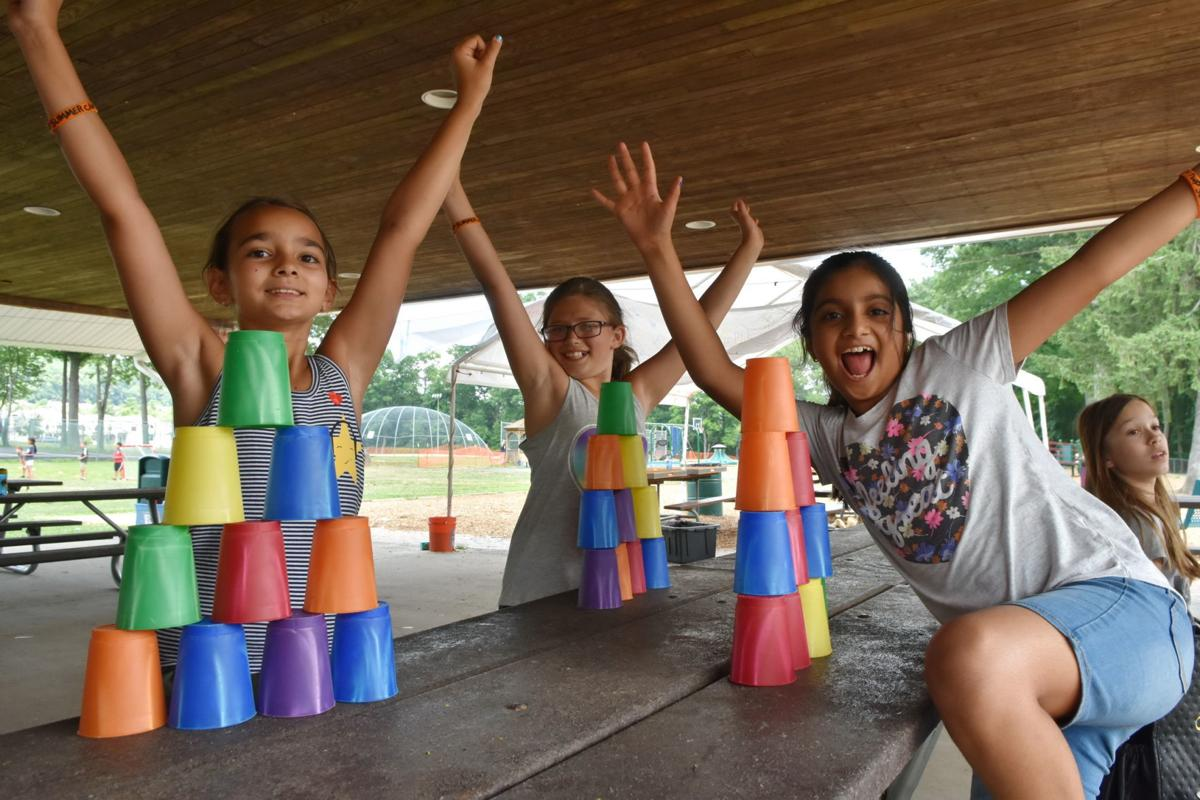 Speed cup stacking