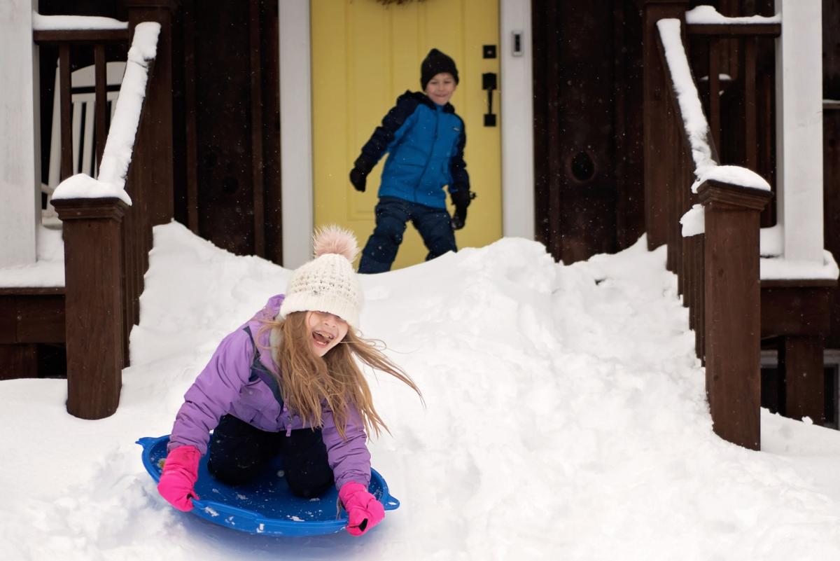 Snow brings smiles in Long Hill