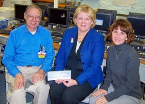Wal-Mart donates to Califon School