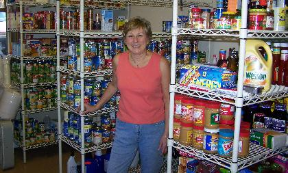 Washington Township volunteers stock food pantry to aid many
