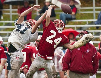 Mendham High Football — Minutemen hold on for 22-15 victory