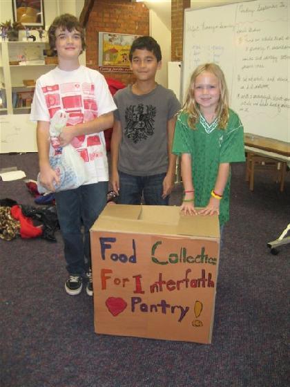 Red Oaks food drive