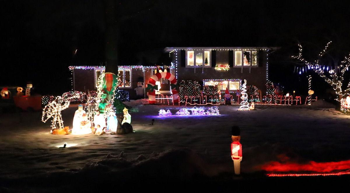 Long Hill homes, businesses shine in holiday decorating contest