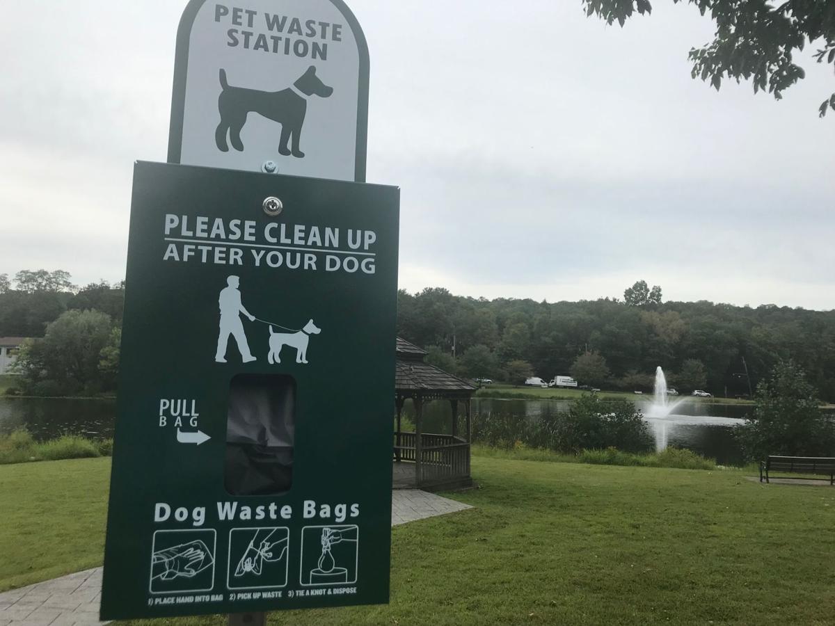 Watchung installs dog waste stations at lake | Echoes