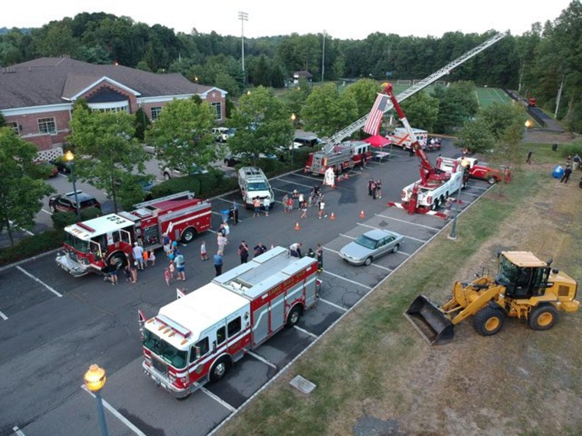 Hundreds gather to celebrate Long Hill first responders, community at National Night Out