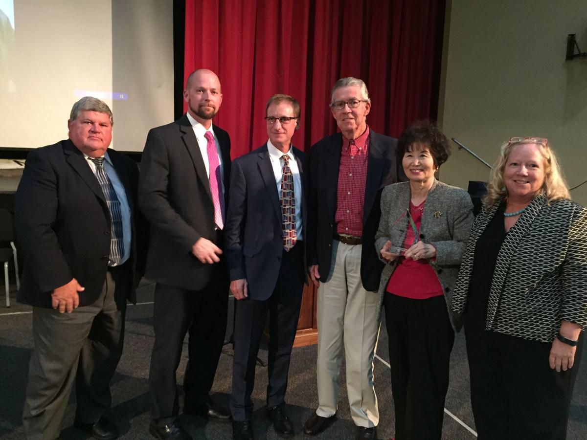 Roxbury High School celebrates academic excellence, honors alumni