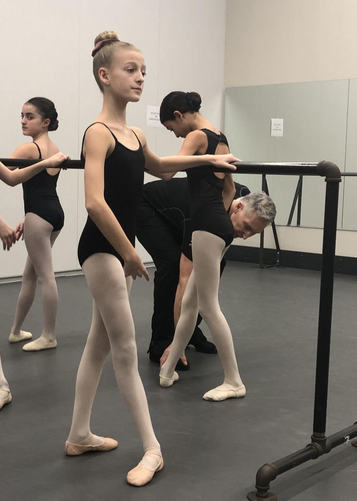 DANCERS WARM UP