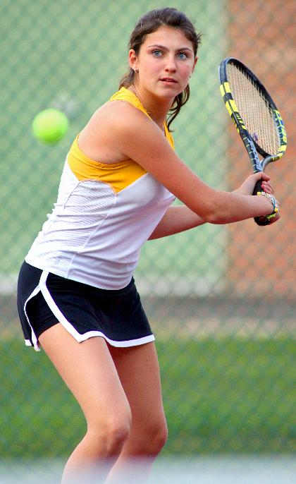 Tennis Lady Hornets slip; soccer action fast and furious