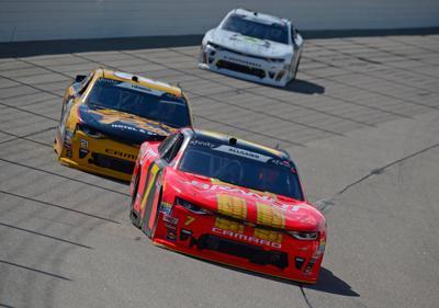 775178271XX00027_NASCAR_Xfi