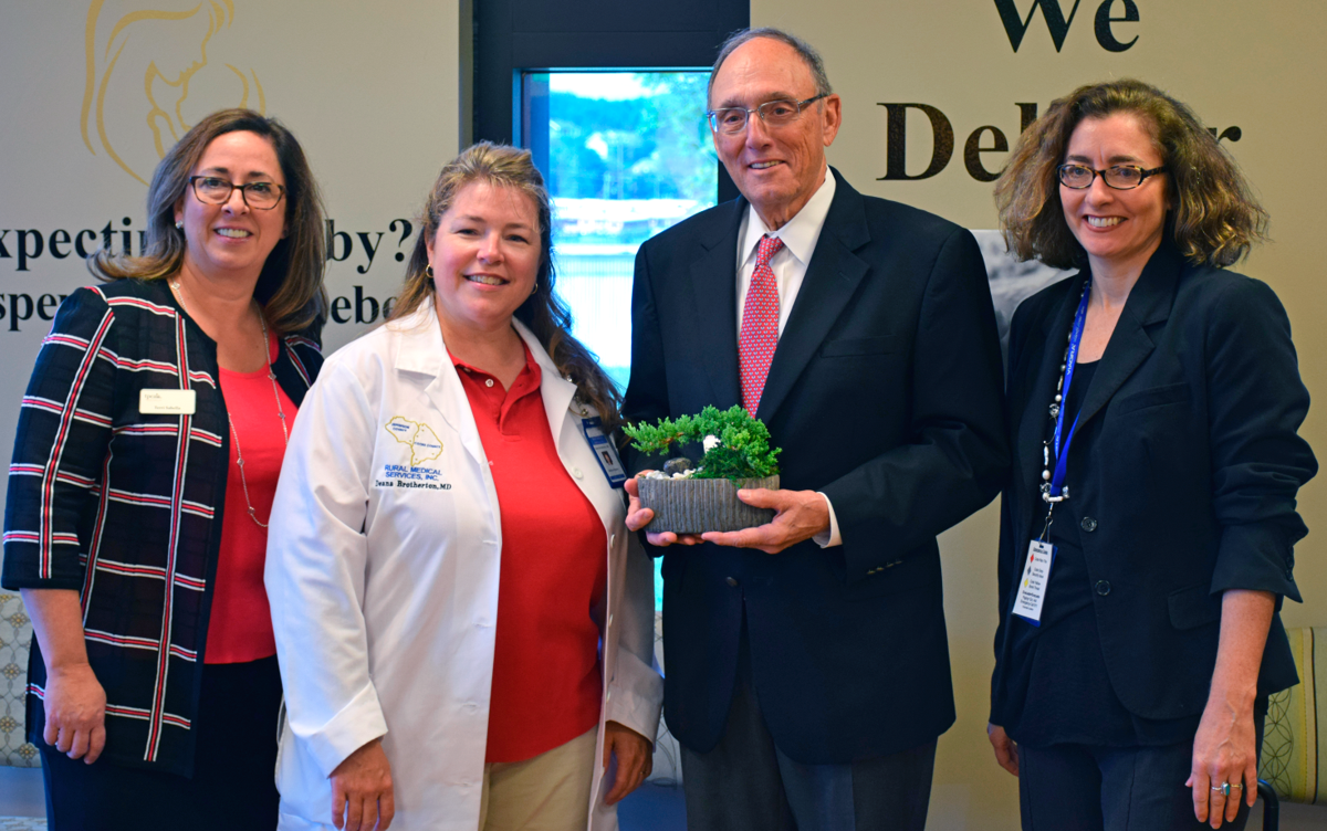 Roe visits Rural Medical