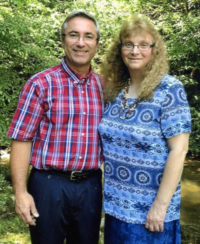Stokelys to celebrate wedding anniversary