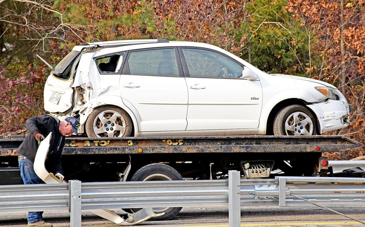 Multiple vehicle accident slows traffic on I-40 east | News