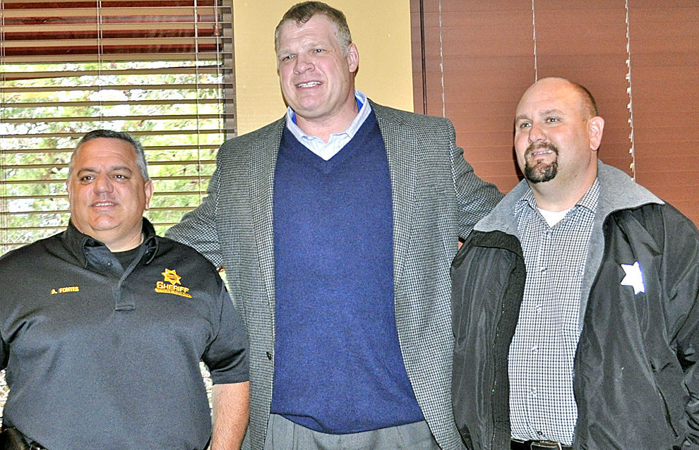 Kiwanis Club Surprised By Rare Visit From Wwe Champion Kane Opinion Newportplaintalk Com Crystal maurisa goins is popular as the wife of a famous american wrestler, actor, businessman, and politician, glenn jacobs who is signed to wwe and is known by his ring name kane. wwe champion kane