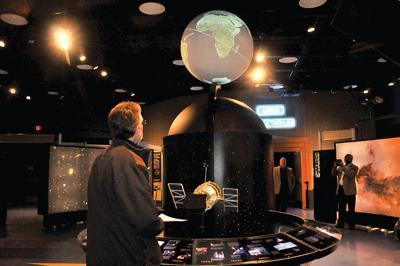 Hubble exhibit returns to science center