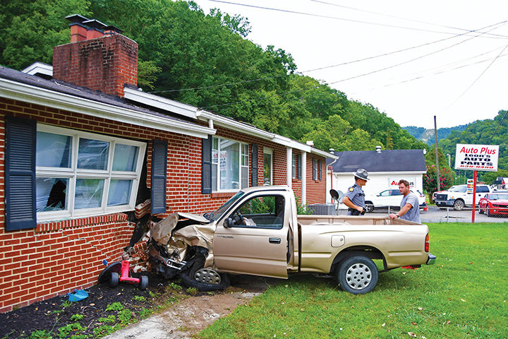8-15 DUI Wreck House 2.jpg